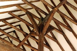 Church Glossary - Crown Post Roof